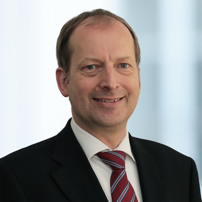 Dr. Oliver Mauss Fankhauser