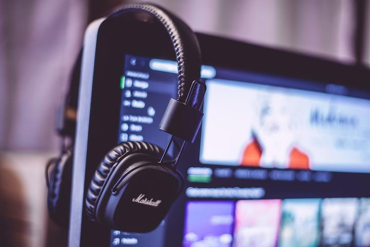 The Only 10 Web Design Podcasts You Need in Your Ears